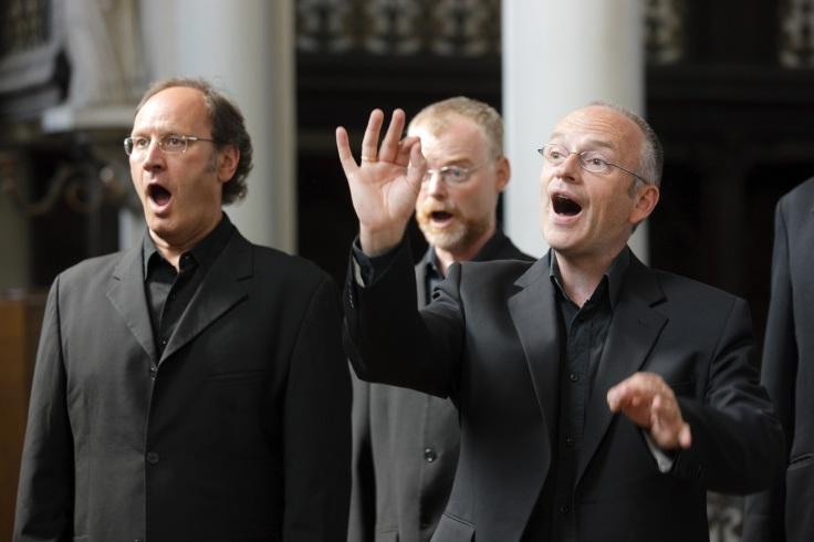 A few Psallentes guys singing