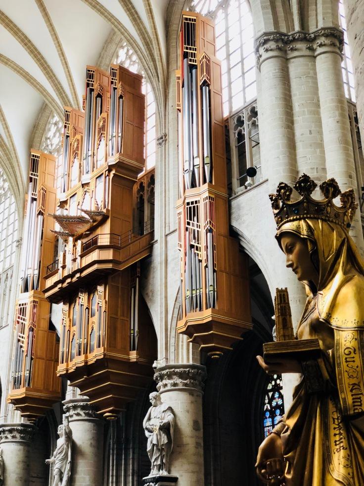 Psallentes 2018 Brussel Kathedraal Rode duivels en duivelinnen